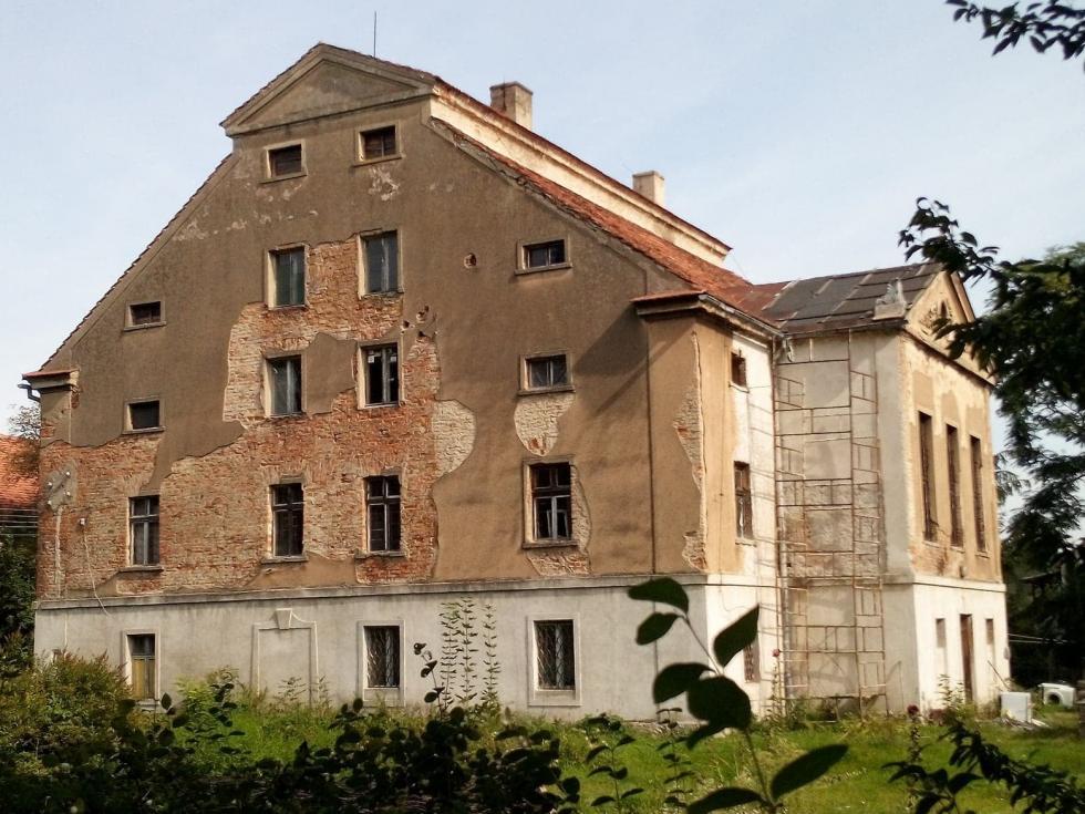 """""""W służbie ziemi iHitlera"""" - zapomniane dzieje pałacu wProszkowicach"""